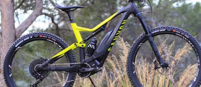 Canyon Spectral: ON First Ride - Mullet-Wheels & Clever Saddles