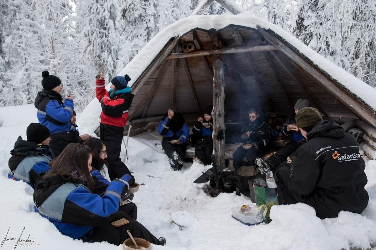 Yllas - Full day snowmobile excursion con Safartica