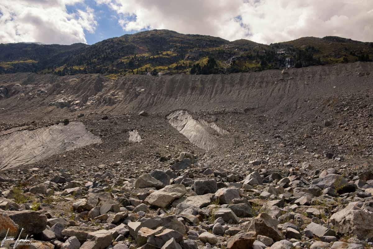 La morena scavata dal Ghiacciaio del Morteratsch