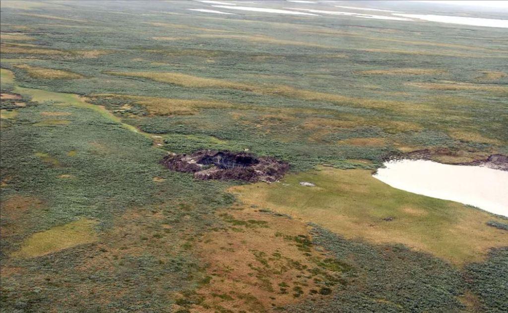 Siberia: il cratere formato dall'esplosione di una bolla (pingo)