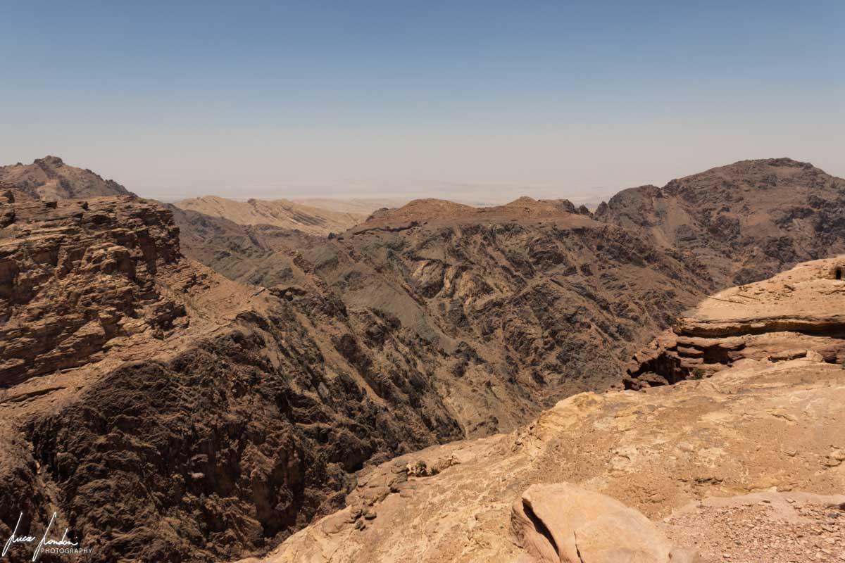 Trekking a Petra: vista sul Wadi Araba