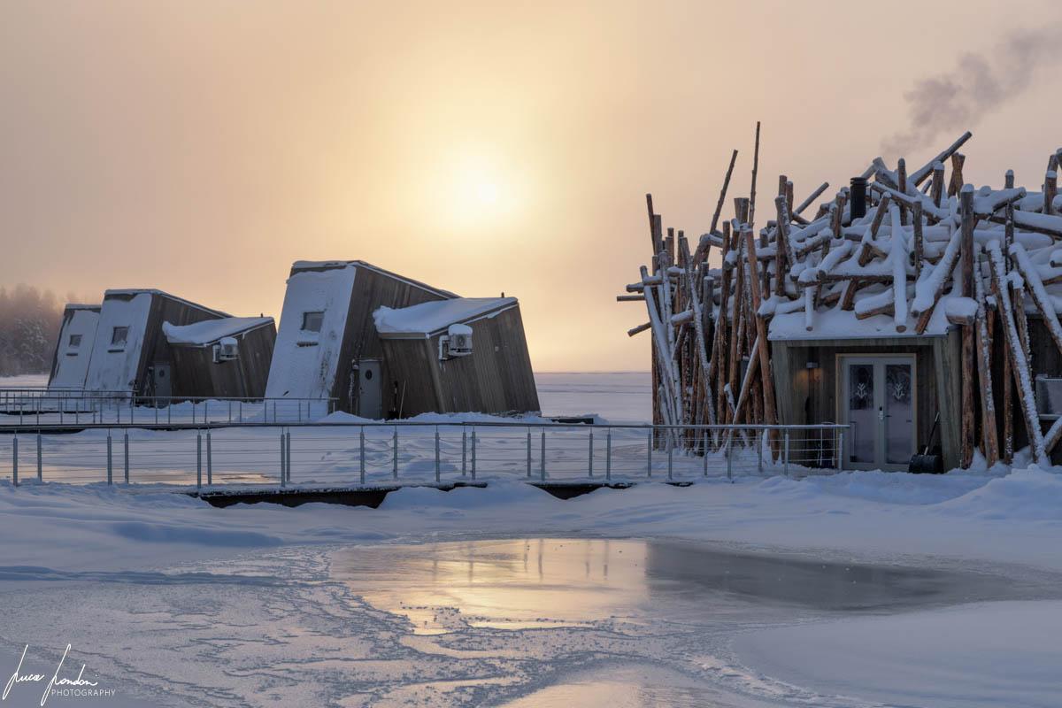 Arctic Bath: la struttura principale e alcune River Cabin