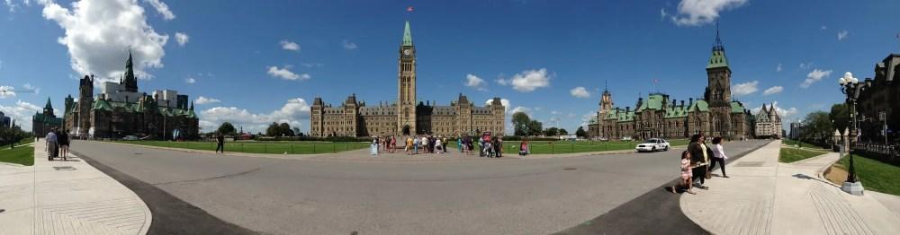 Panorámica con los tres bloques de Parliament Hill (Foto tdentremont).