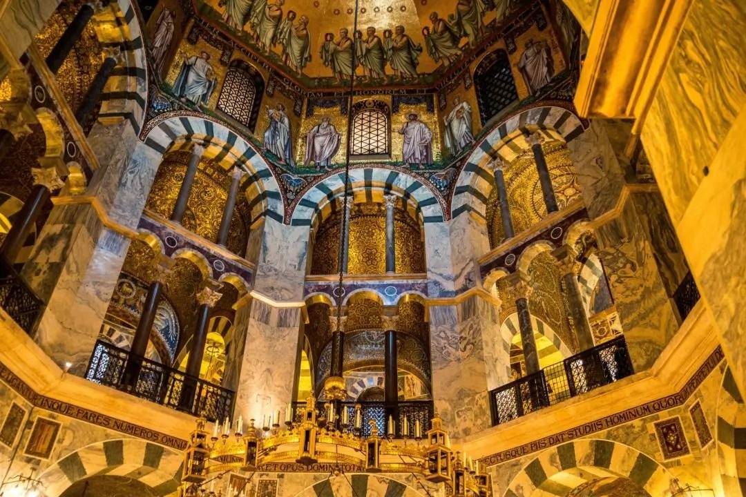 Los andamios (residuales) en la Catedral de Aquisgrán serán ...