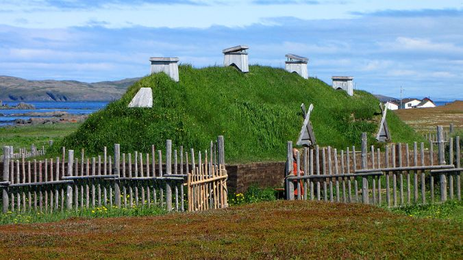 Norse long house recreation, L'Anse aux Meadows, Newfoundland and Labrador, Canada, 2010, by D. Gordon E. Robertson (Own work) [CC BY-SA 3.0 (http://creativecommons.org/licenses/by-sa/3.0) or GFDL (http://www.gnu.org/copyleft/fdl.html)], via Wikimedia Commons