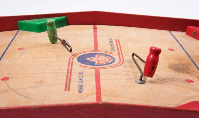 Table top hockey