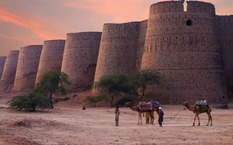 derawar Top 9 Best Places In Pakistan To Visitfort at sunset