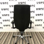 UOFC-Giroflex-G64-Managers-Chair-with-360-degree-arms-3