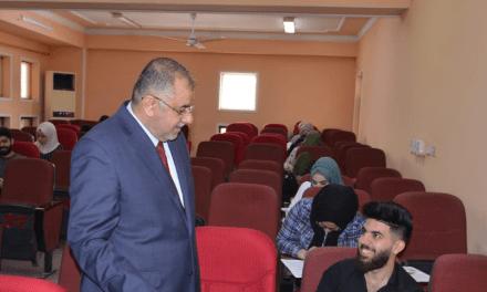 وزير التعليم العالي يواصل جولاته التفقدية لسير العملية الامتحانية في عددٍ من الجامعات