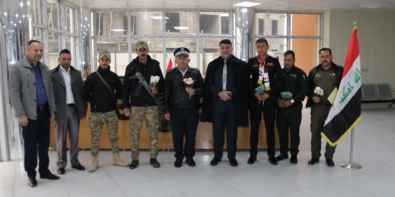 جامعة الحمدانية تهنئ حماة الوطن  بباقات والورود والزهور