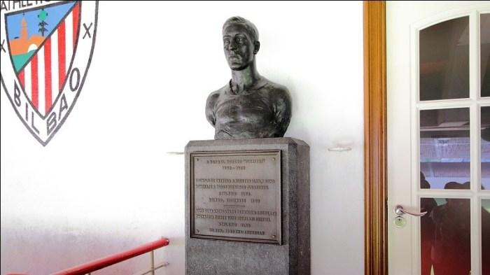 Busto dedicato a Pichichi