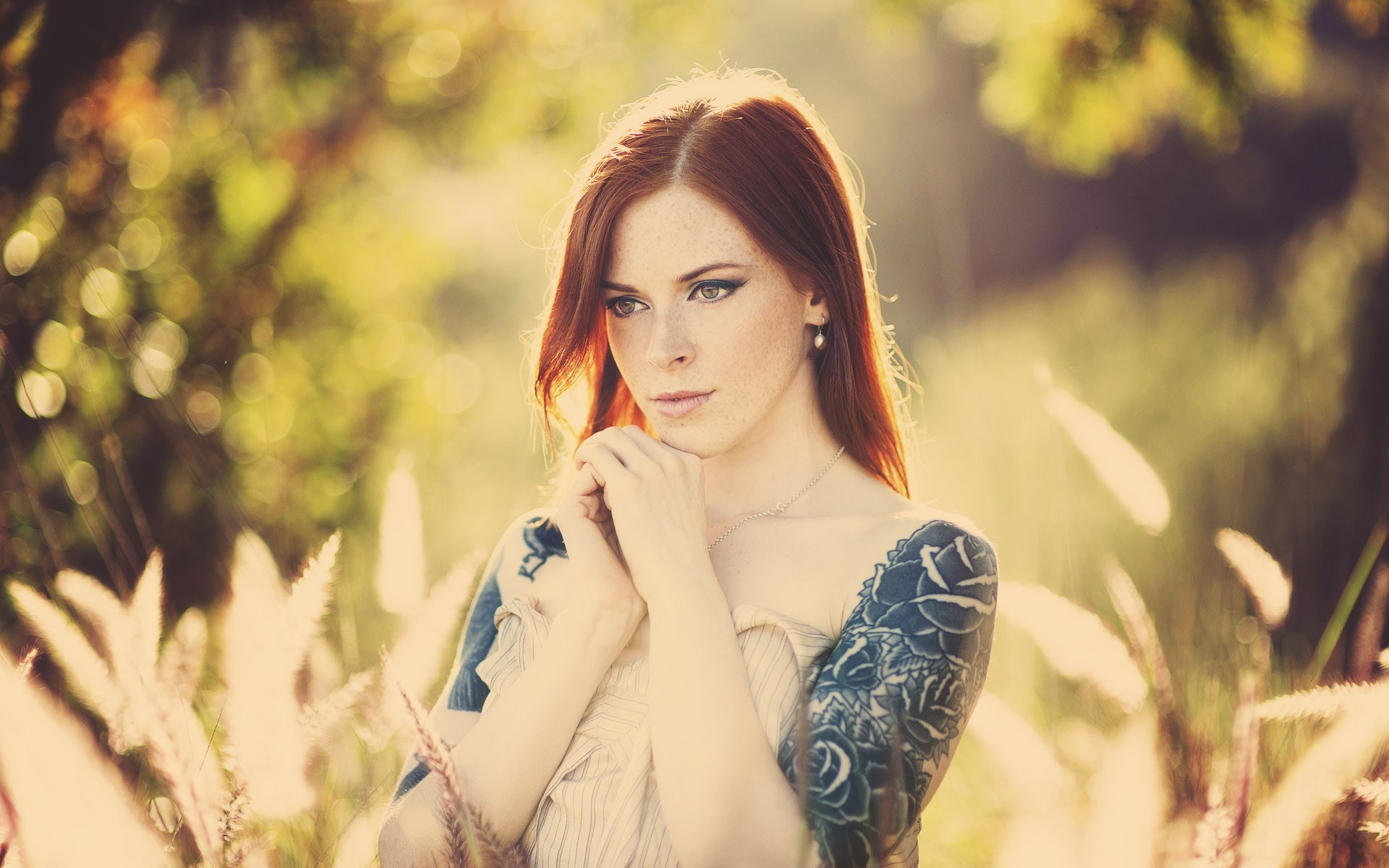 redhead-girl-tattoos-freckles-photo-hd-wallpaper