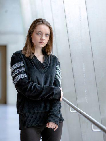 Elisa Sweater disponible uniquement via Up & Down Hill, eshop 100% belge