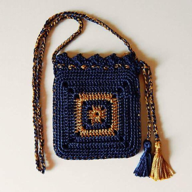 Cute Crochet Hang Bag Pattern