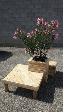Pallet Planter With Attached Seating Upcycle Art