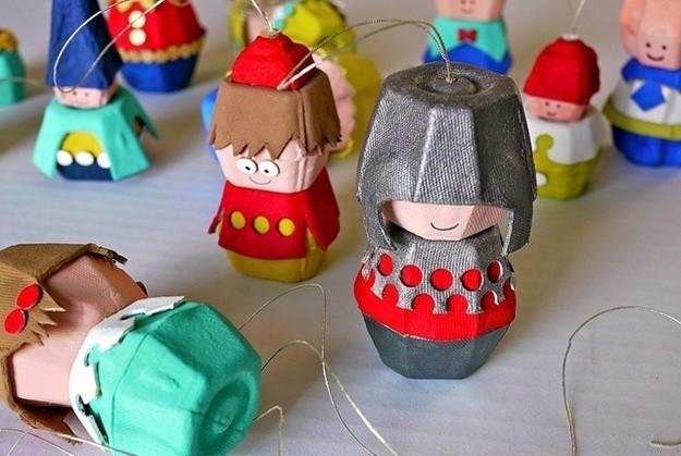 cartón de huevo de niños artesanía muñecas ideas de reutilización
