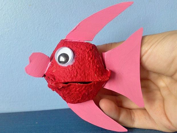 huevo ideas de los niños de cartón reciclado artesanal de reutilización de ojos rojos animales peces