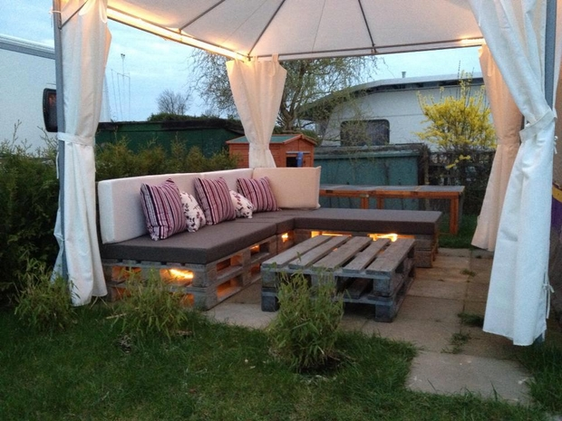 39 Outdoor Pallet Furniture Ideas And DIY Projects For Patio