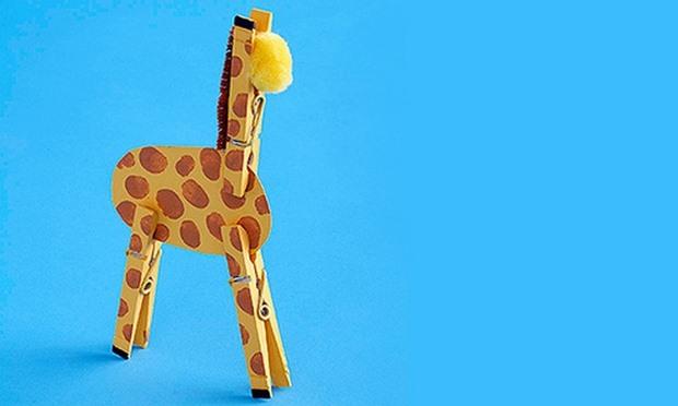 artesanías frescos para los niños la idea de upcycling juguete jirafa clothespins artesanías