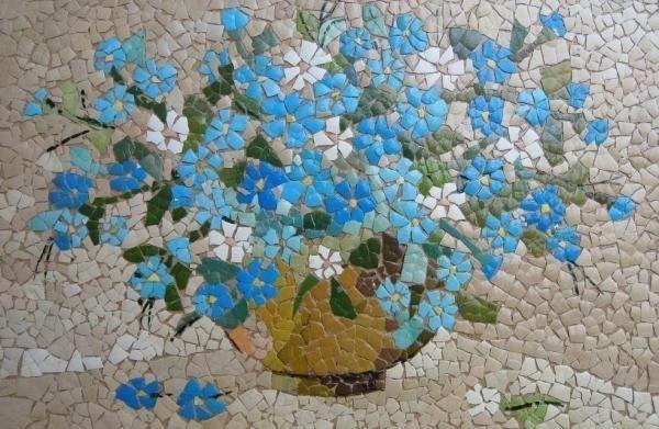 cáscaras de huevo reutilización arte de la pintura de mosaico para la decoración después de Pascua