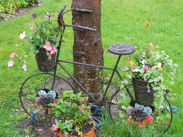 Upcycling decoración bicicletas jardín de bicicleta vieja reutilizado con decoración de flores