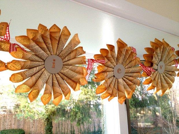 página del libro de adornos de navidad viejos papel en rollos de guirnaldas reutilizados ideas decoración artesanal