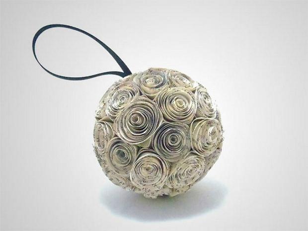 página del libro roseta pomander adornos de navidad bola de papel reutilizado idea de la decoración