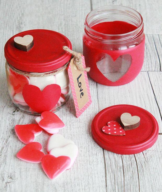 día idea de la artesanía regalo de pintura roja titular de la vela de la plantilla de dulces de San Valentín