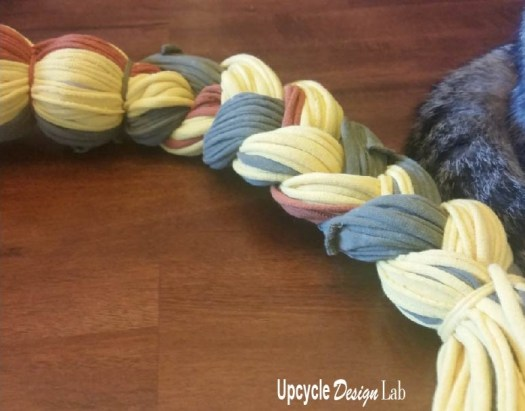Make your own T-shirt yarn snake