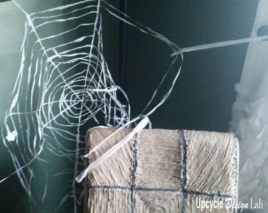 Plastic yarn spiders web tutorial