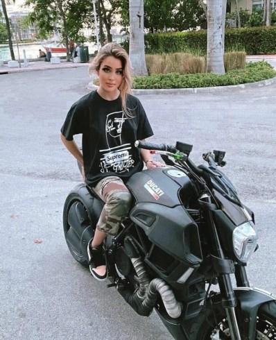 Mia Dio Biography
