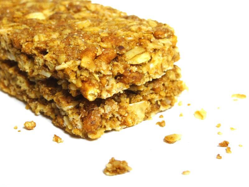 a regular granola bar