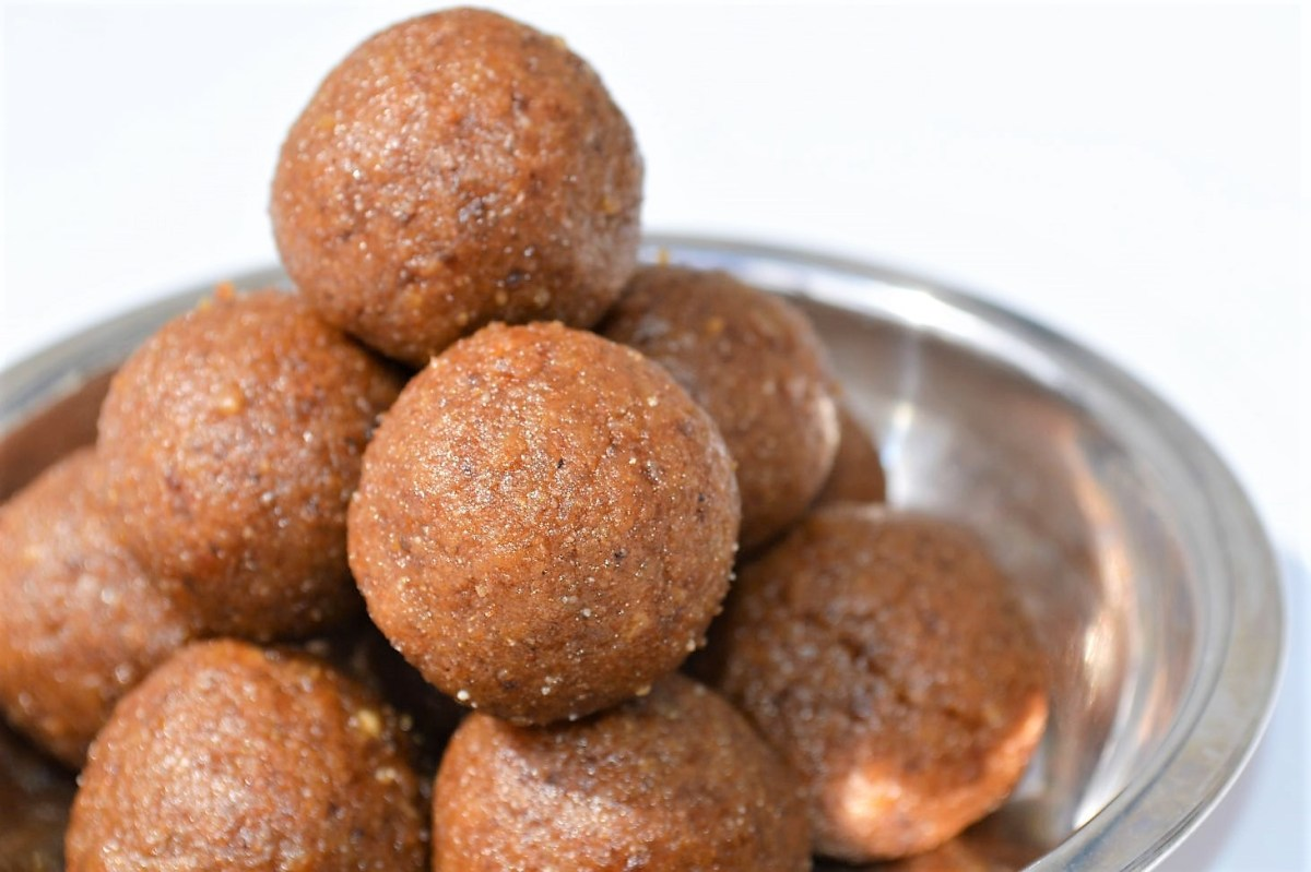 Wheat laddu Healthy (no ghee, no sugar)