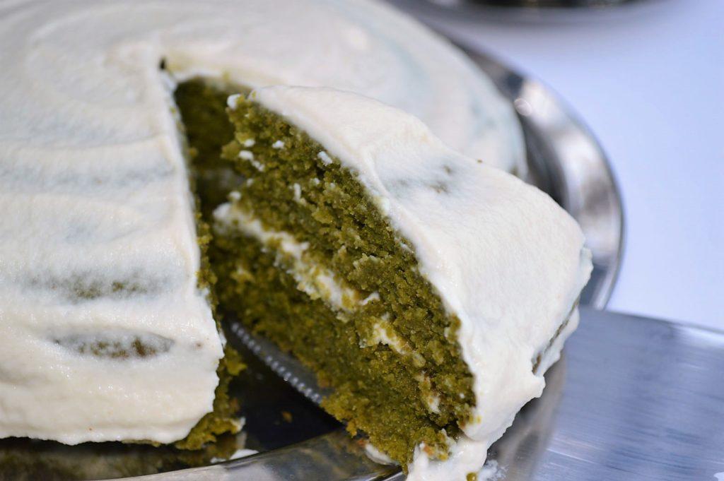 Eggless kale cake