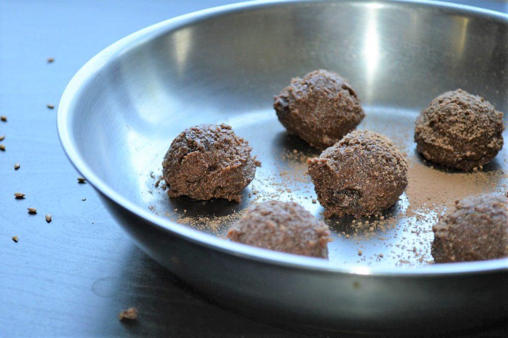 Vegan flax truffles