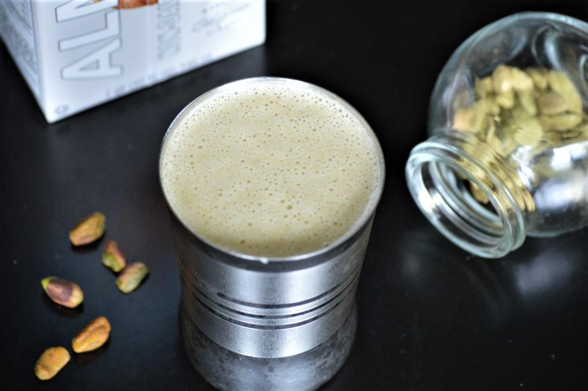 Healthy Pista kulfi smoothie