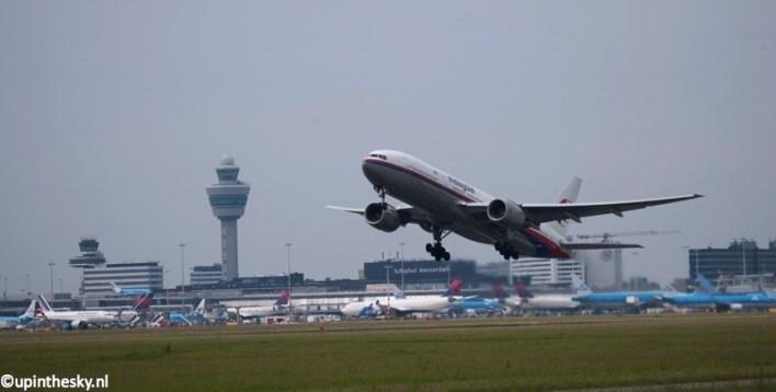 Malaysia_777-200_2