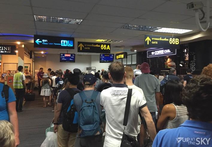 Phuket_Airport_security_rij_controle