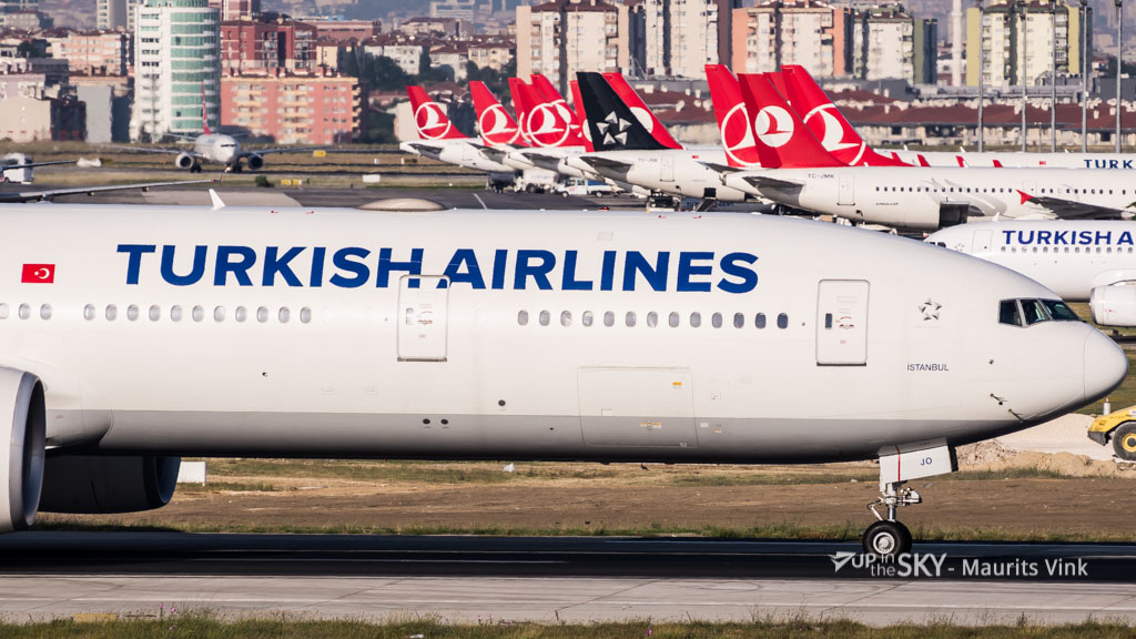 Turkish Boeing 777 ontruimd na dreigement in toilet
