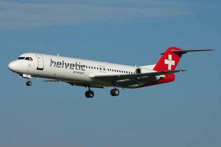 HB-JVE Fokker 100 Helvetic  (c) Remco de Wit