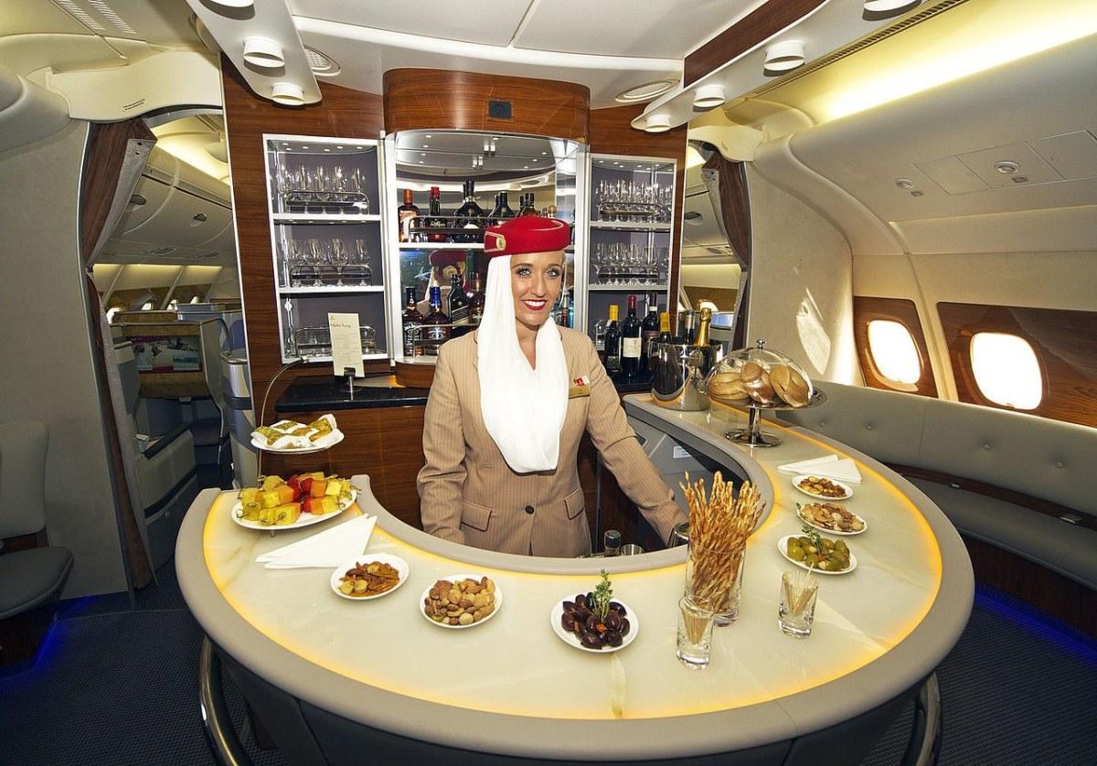 'Emirates houdt stevig grip op de girls'