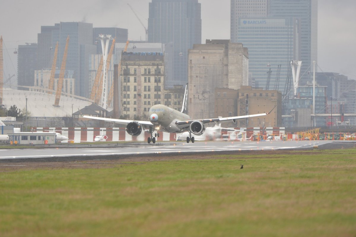 Proeflanding CS100 op Londen City | Video