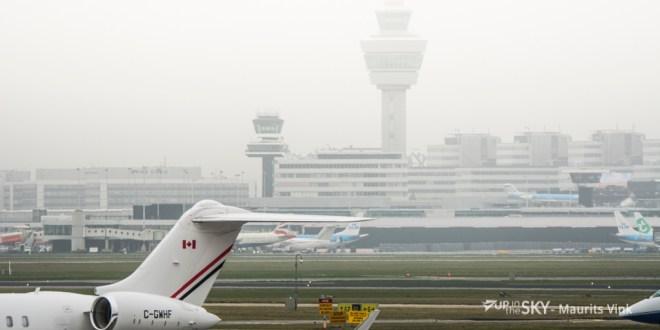 Schiphol heeft veel last van de mist