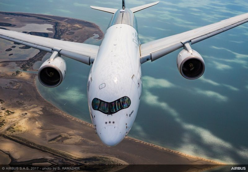 American buigt zich opnieuw over A350