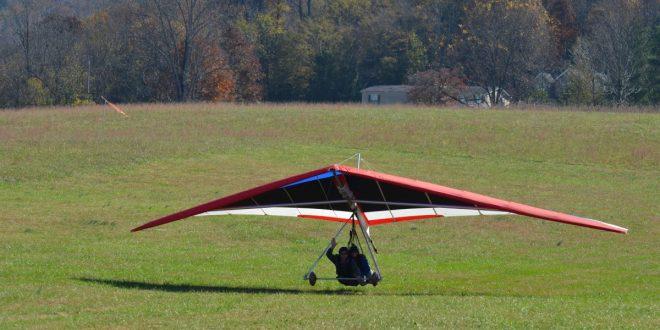 Deltavlieger springt van studentenflat – Video