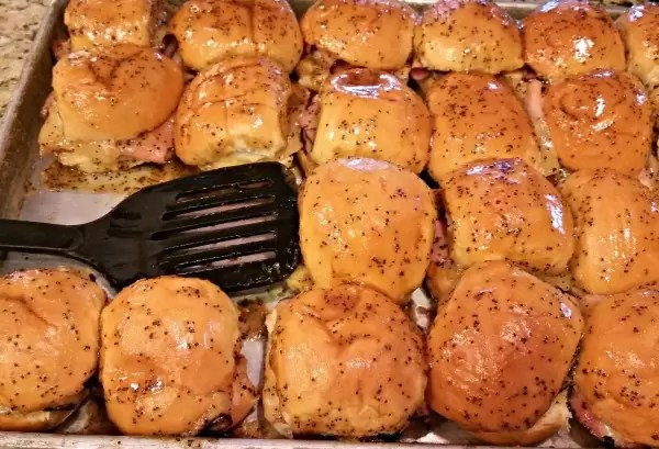 Sweet Ham & Swiss Sliders. Quick, Easy, and DELICIOUS! Great for feeding large crowds!