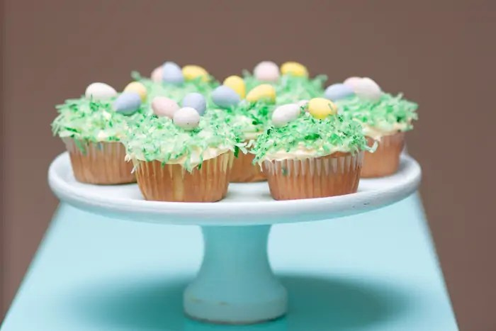 Really easy (and fun) Easter Cupcakes!