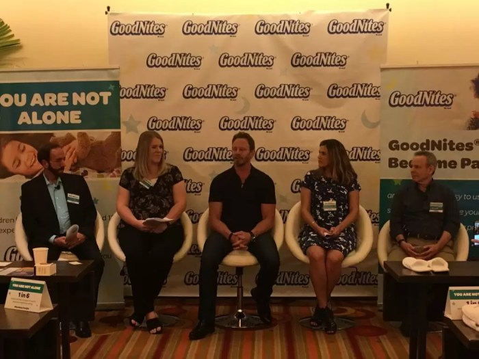 Great advice from a mom with 3 bedwetters and a panel of experts! Dealing with bedwetting can be easy if you take the right steps. #RestEasyTonight @GoodNites