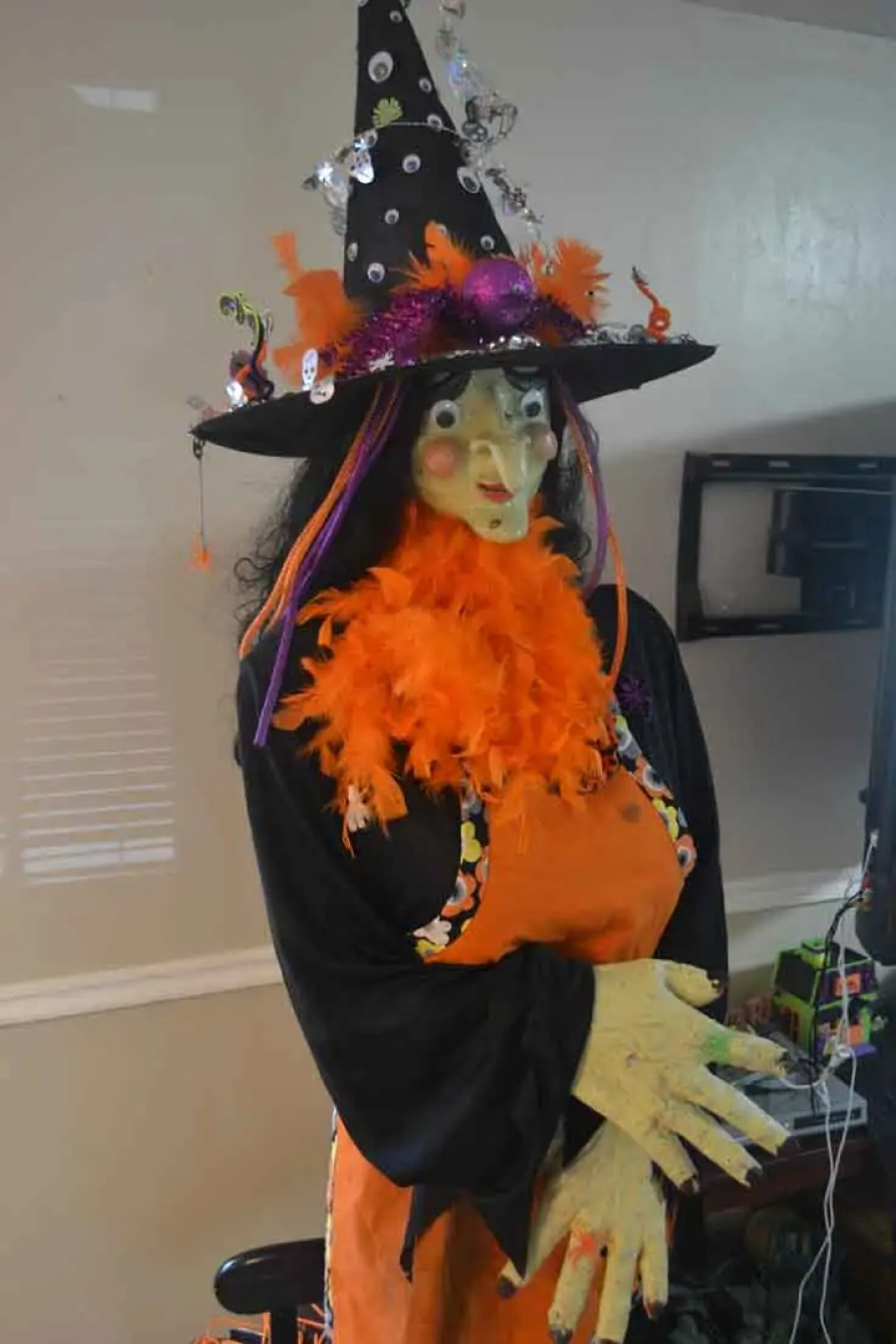 How To Make A Life Size Witch For Halloween | How To Make A Scary Life Size Halloween Witch Uplifting Mayhem