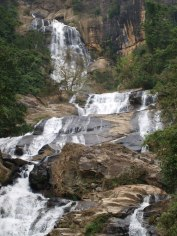 sri_lanka_travel_partner_tour_water_fall